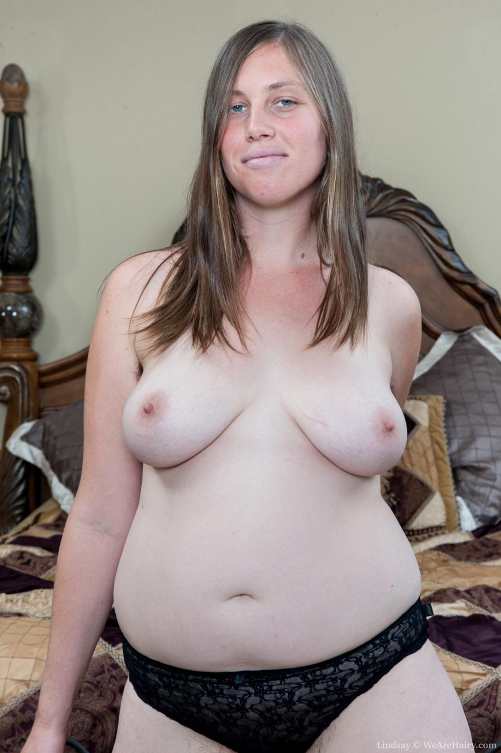 Horny masseuse handjob