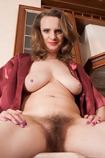 WeAreHairy Free Pique Dame
