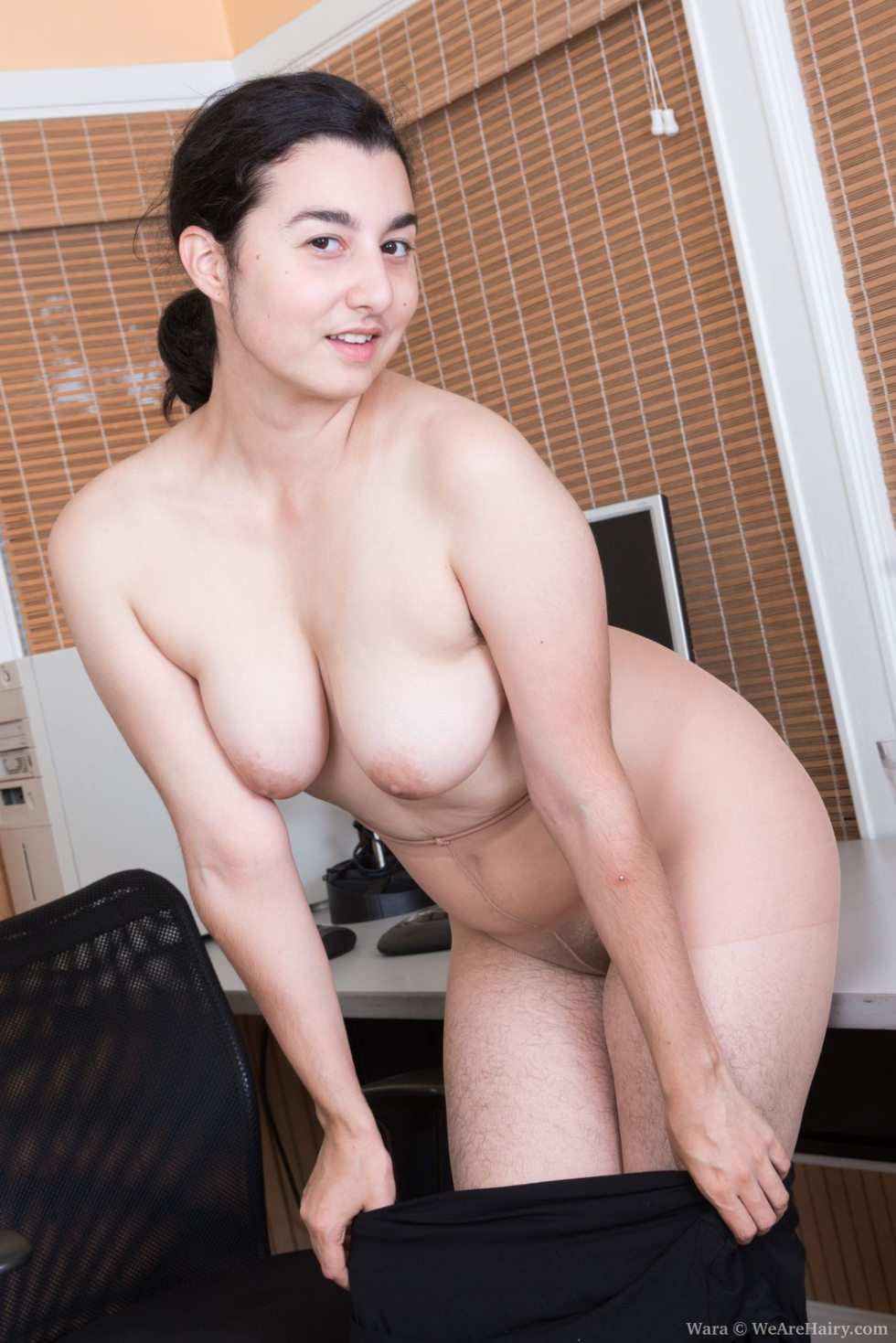Wara strips naked to show her hairy body off today 8